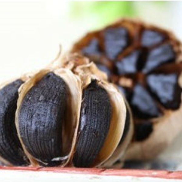 Japan hot sale delicious health black garlic manufacturer